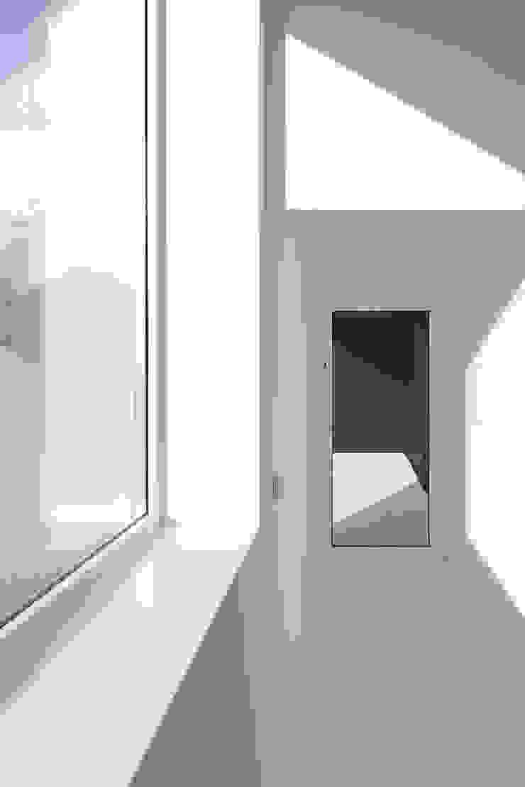Dom w Lublińcu 2 Nowoczesne okna i drzwi od Dyrda Fikus Architekci Nowoczesny