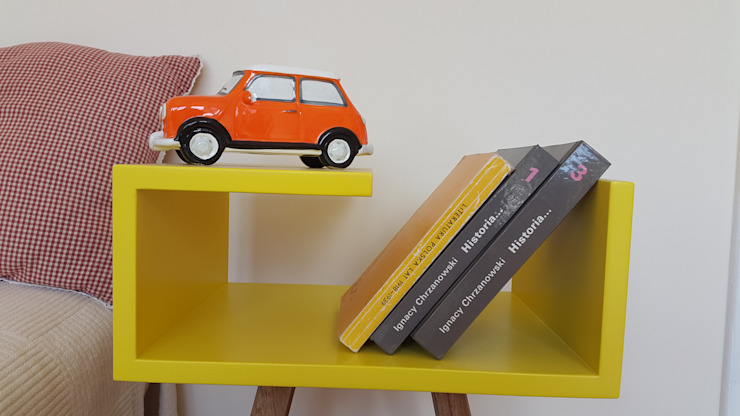 Stolik nocny żółty -autorski projekt: styl , w kategorii Korytarz, hol i schody zaprojektowany przez ACOCO DESIGN