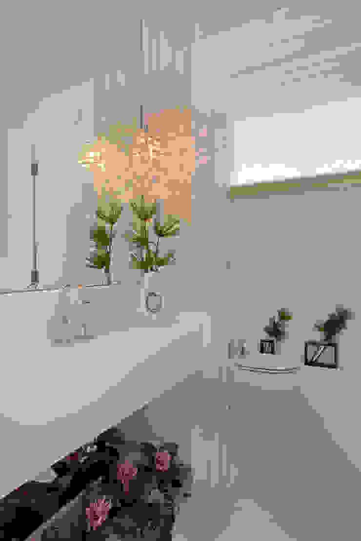 Casa Tamboré Banheiros modernos por Arquiteto Aquiles Nícolas Kílaris Moderno