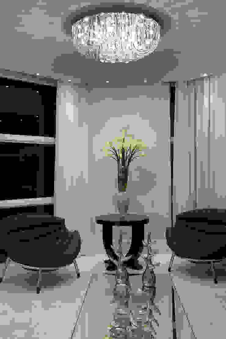 Casa Tamboré Salas de estar modernas por Arquiteto Aquiles Nícolas Kílaris Moderno
