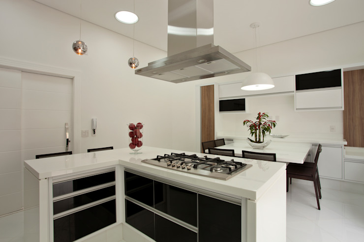 Kitchen by Arquiteto Aquiles Nícolas Kílaris,