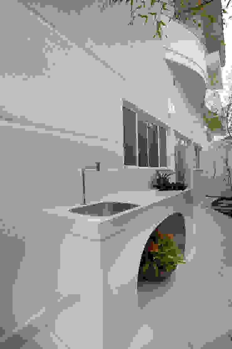 Casa Tamboré Casas modernas por Arquiteto Aquiles Nícolas Kílaris Moderno