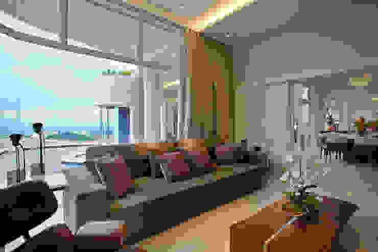 Casa Tamboré Salas multimídia modernas por Arquiteto Aquiles Nícolas Kílaris Moderno
