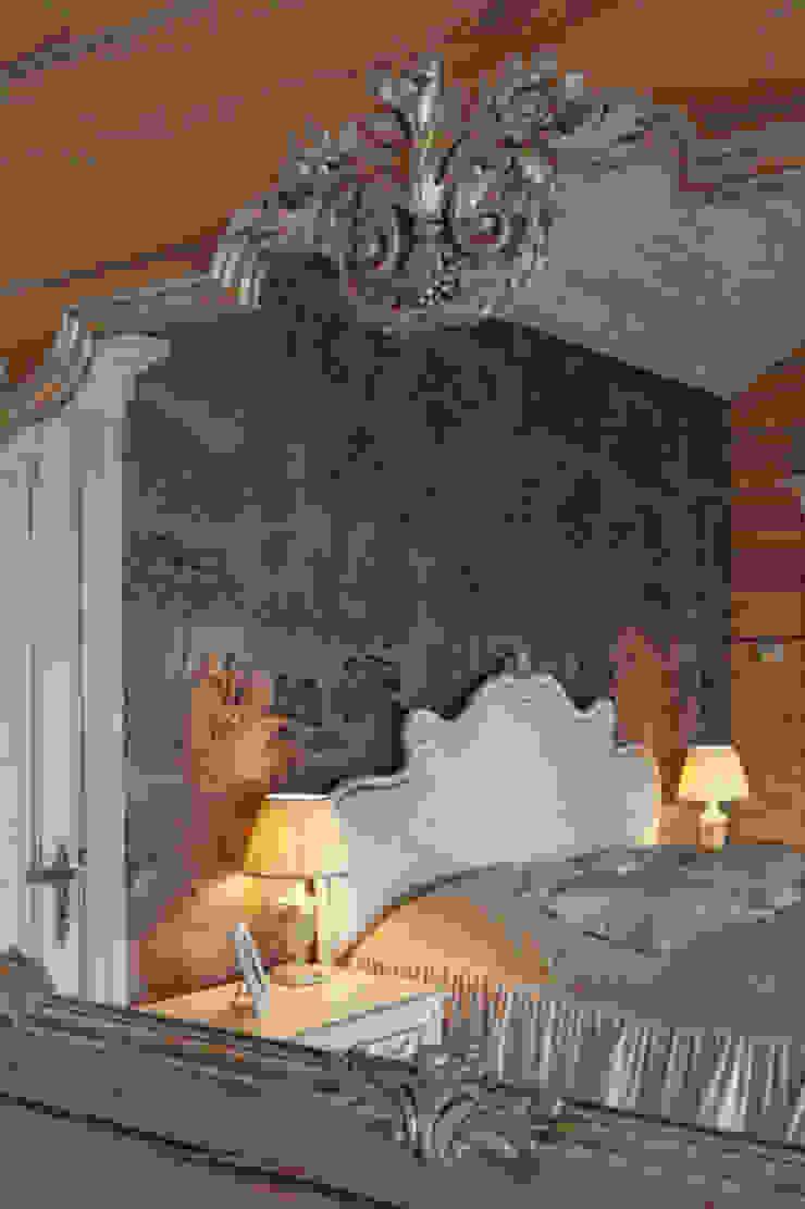 Загородный дом в Конаково Спальня в эклектичном стиле от Trubnikoff Hall Эклектичный