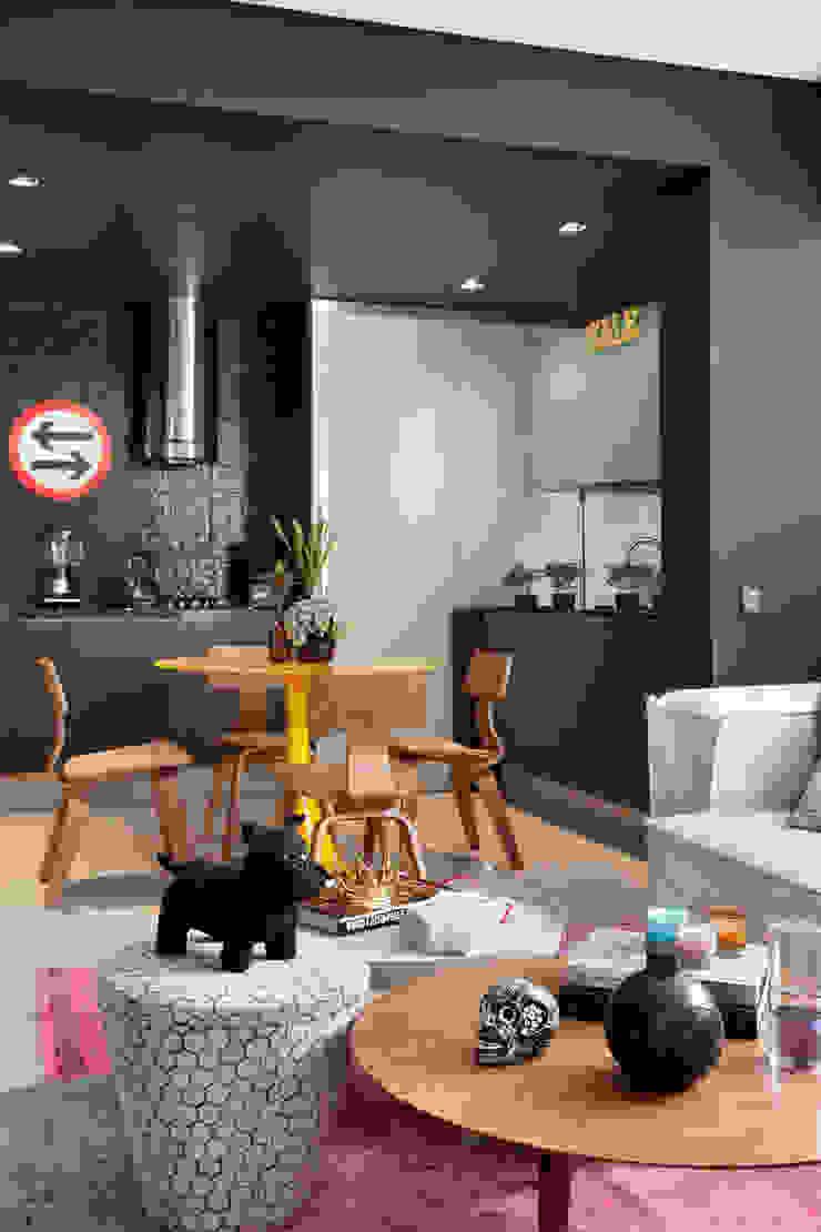 Studio ro+ca Modern kitchen