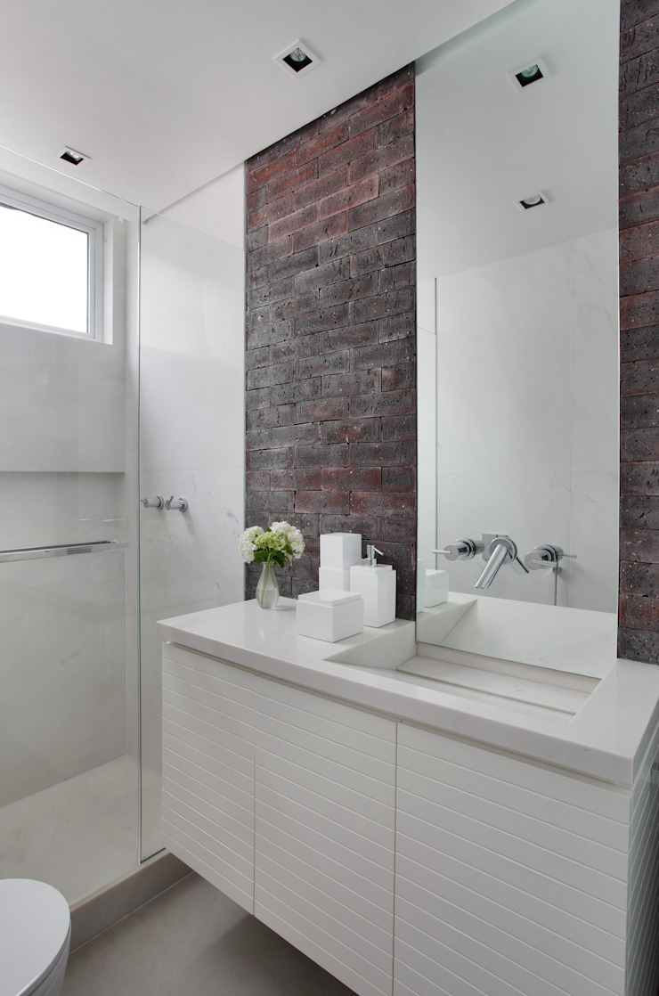 Studio ro+ca Modern style bathrooms