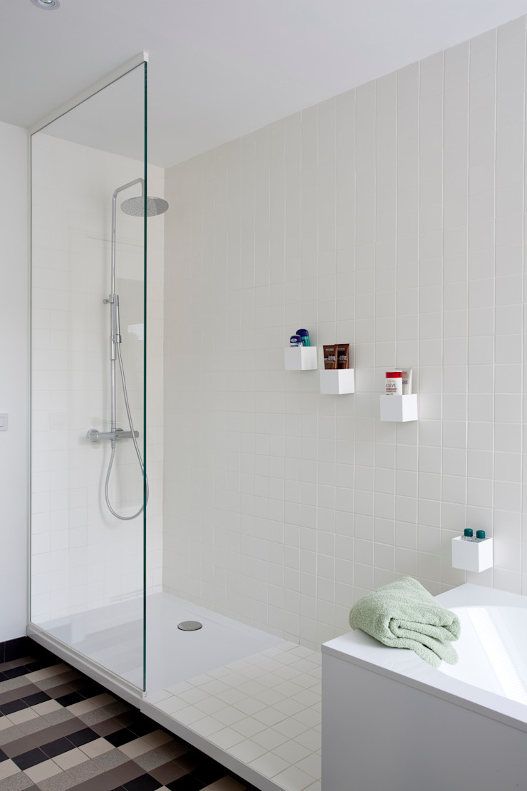 Modern bathroom by studio k Modern