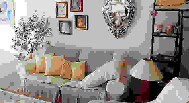 リビングルーム クラシカルな 壁&床 の VINTAGE-RENOVATION by masuoka-design クラシック