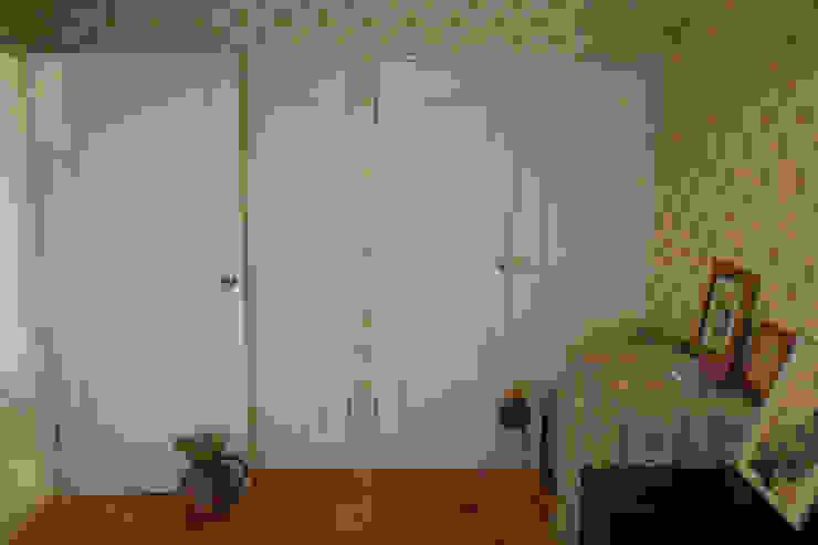 ベッドルーム 2. クラシカルな 壁&床 の VINTAGE-RENOVATION by masuoka-design クラシック