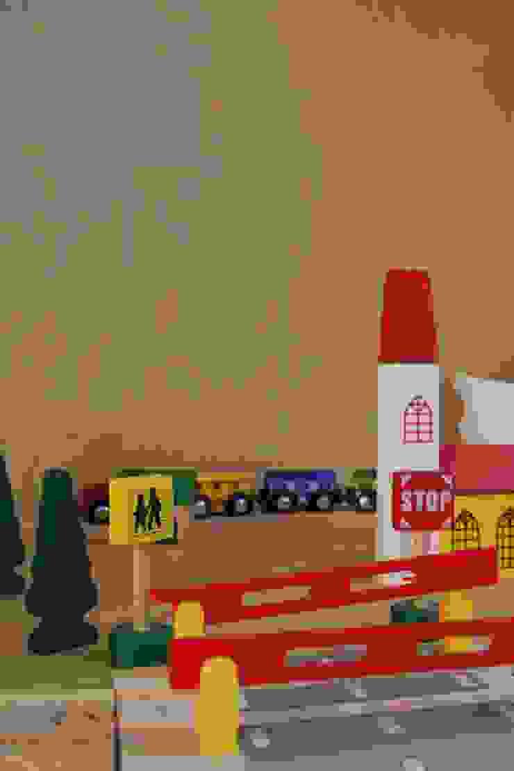 detail speelbox Moderne woonkamers van studio k Modern