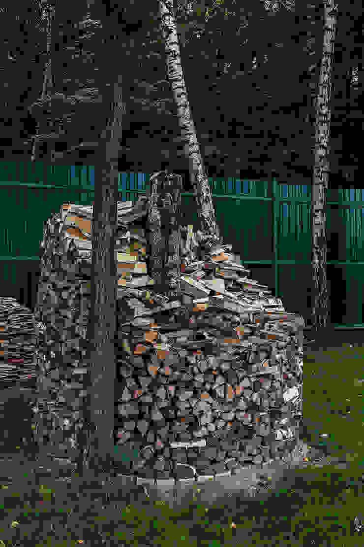Дом Сад в рустикальном стиле от Николай Карачев Рустикальный