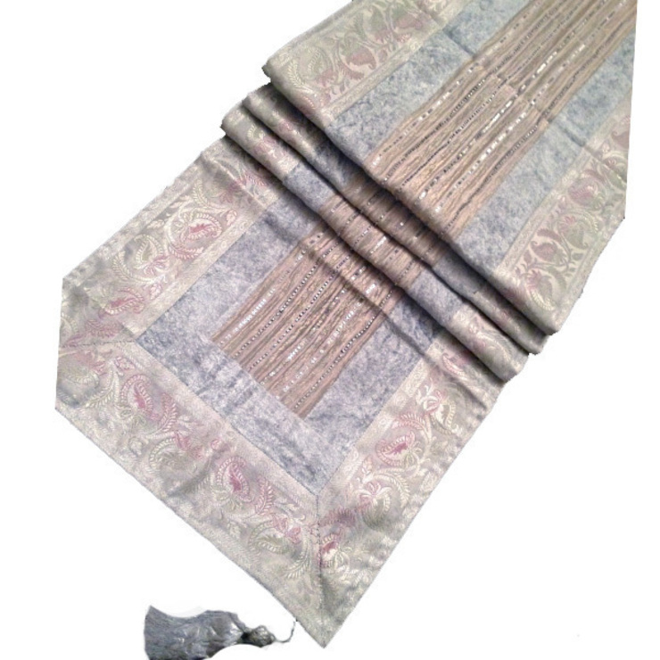 Sageer Table Runner Grey de Indian Interiors Asiático