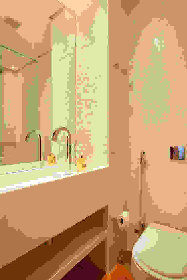MS apartment Banheiros clássicos por Studio ro+ca Clássico