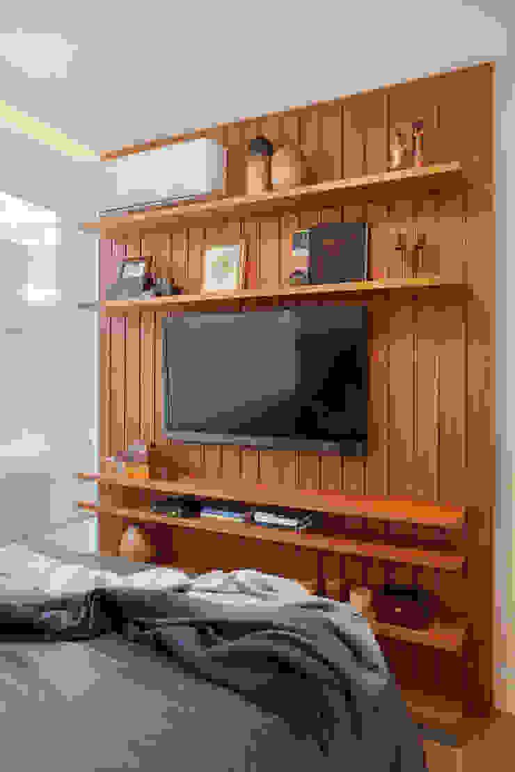 Studio ro+ca Classic style bedroom