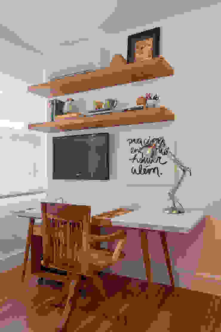 MS apartment Escritórios clássicos por Studio ro+ca Clássico