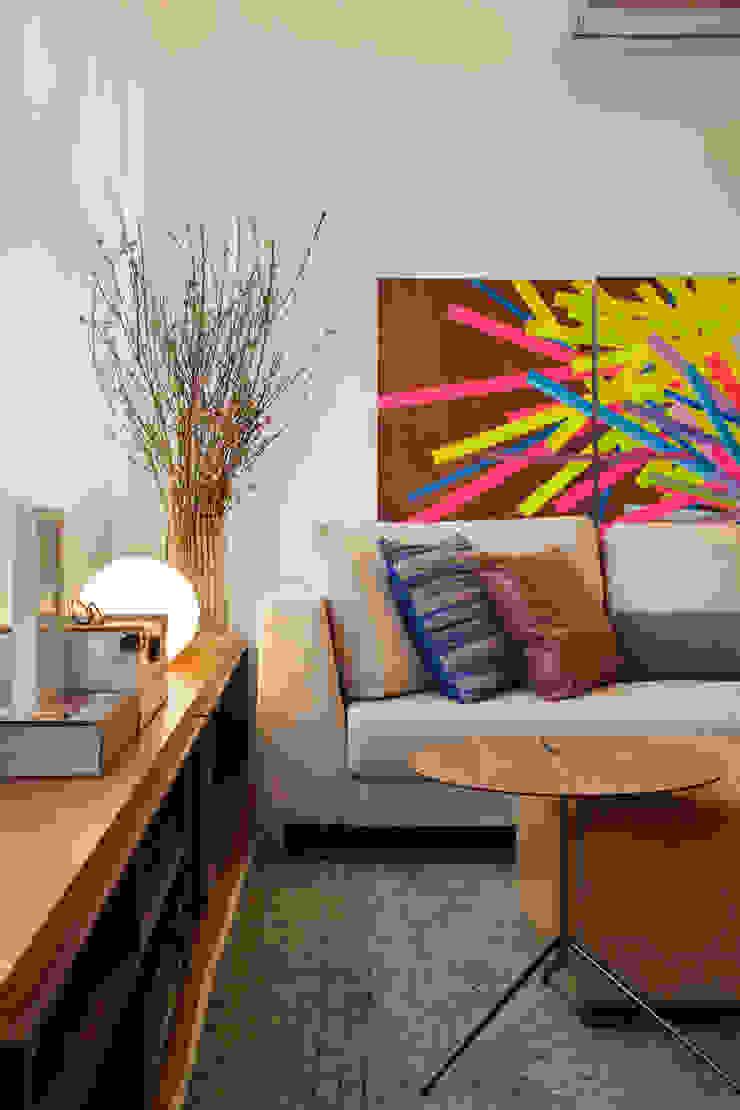 MS apartment Salas de estar clássicas por Studio ro+ca Clássico