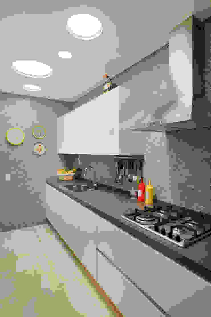 MS apartment Cozinhas clássicas por Studio ro+ca Clássico