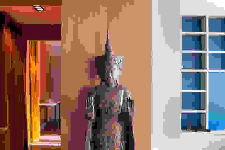 Jean-Bastien Lagrange + Interior Design Asiatische Wohnzimmer