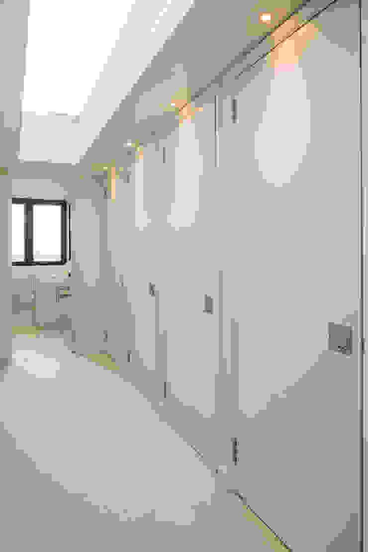 Muswell Hill House 1, London N10 Jones Associates Architects 現代風玄關、走廊與階梯