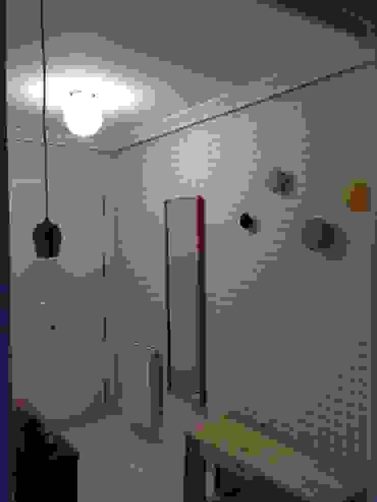entrada Pasillos, vestíbulos y escaleras de estilo escandinavo de cuandodavidllegoadurango Escandinavo