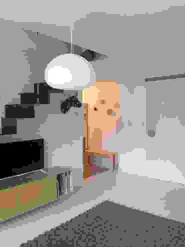 vivienda en Durango ( Vizcaya ) Paredes y suelos de estilo escandinavo de cuandodavidllegoadurango Escandinavo