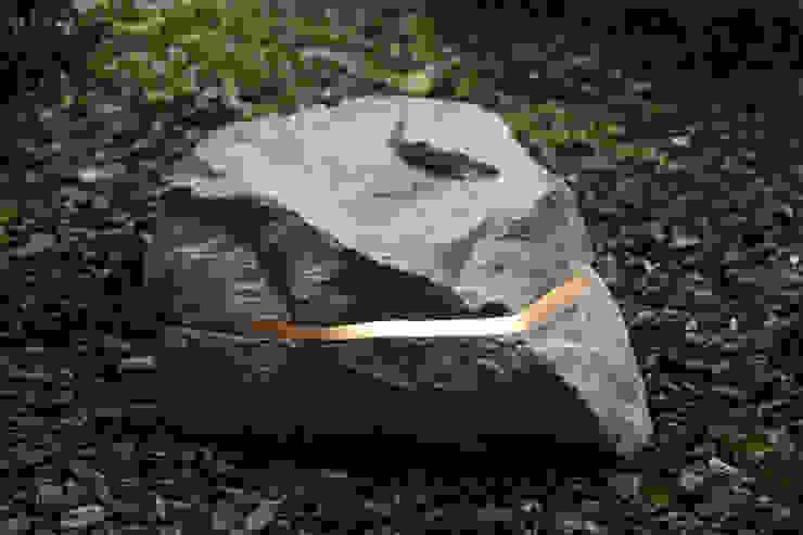 Menhir Sound Wifi di Essenze di Luce Moderno