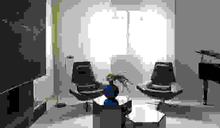 Modern Living Room by Rafael Zalc Arquitetura e Interiores Modern