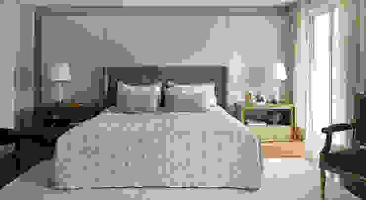 モダンスタイルの寝室 の Rafael Zalc Arquitetura e Interiores モダン