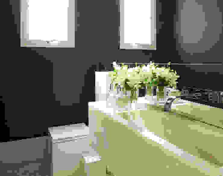 Bathroom by Rafael Zalc Arquitetura e Interiores, Modern