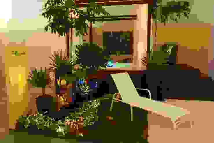 FiaFlora Expogarden | 2007 Spa moderno por Folha Paisagismo Moderno