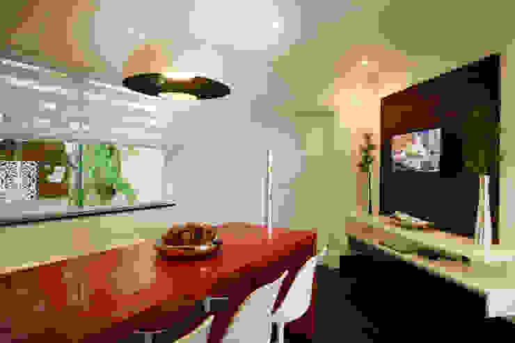 Casa Parque Cozinhas modernas por Designer de Interiores e Paisagista Iara Kílaris Moderno
