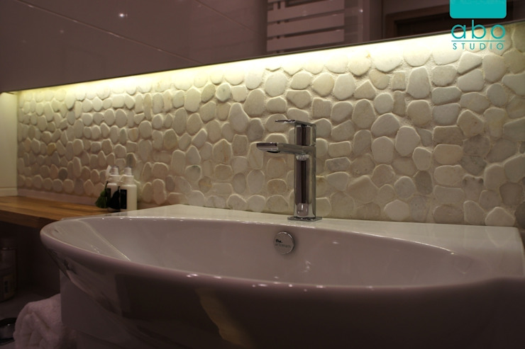 biała łazienka Nowoczesna łazienka od abostudio Nowoczesny