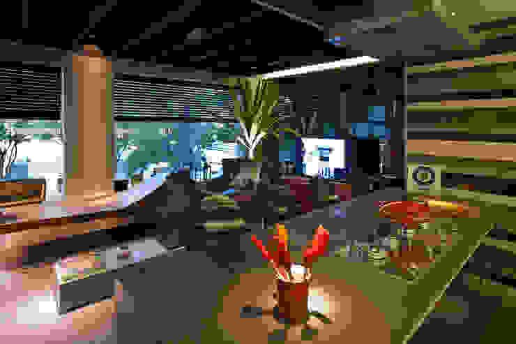 CasaCor | 2011 | Arqtº Ricardo Rossi Jardins modernos por Folha Paisagismo Moderno
