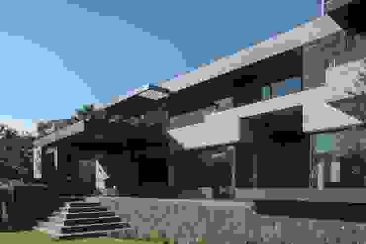 BB Residence من Gantous Arquitectos حداثي