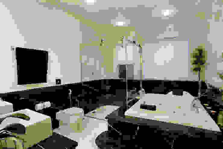 Casa Parque Banheiros modernos por Designer de Interiores e Paisagista Iara Kílaris Moderno