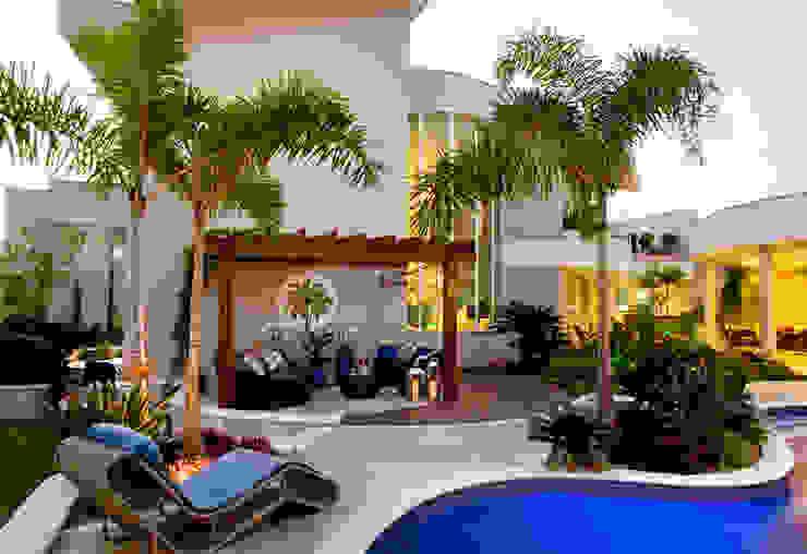 Casa Parque Casas modernas por Designer de Interiores e Paisagista Iara Kílaris Moderno