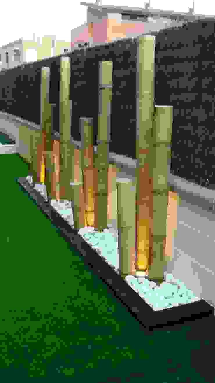 jardinera con bambú y bolo blanco con iluminación Balcones y terrazas de estilo moderno de dbambu Moderno