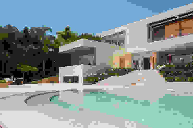 Casa SJ Albercas modernas de Gantous Arquitectos Moderno