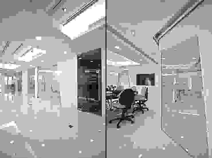 Design Minimalist offices & stores by PLOTCREATIVE Interior Design Ltd Minimalist