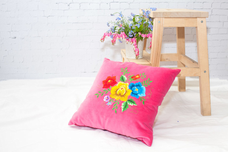 Poduszka haftowana od Folkstar Wiejski