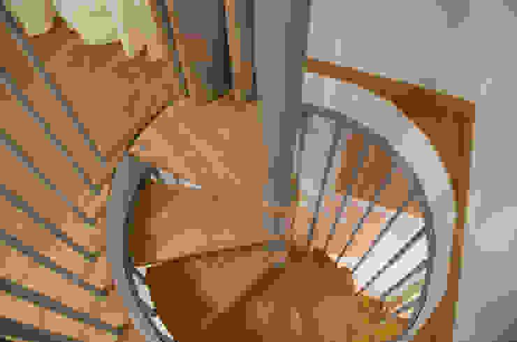 Corredores, halls e escadas minimalistas por PROJECT AB Minimalista