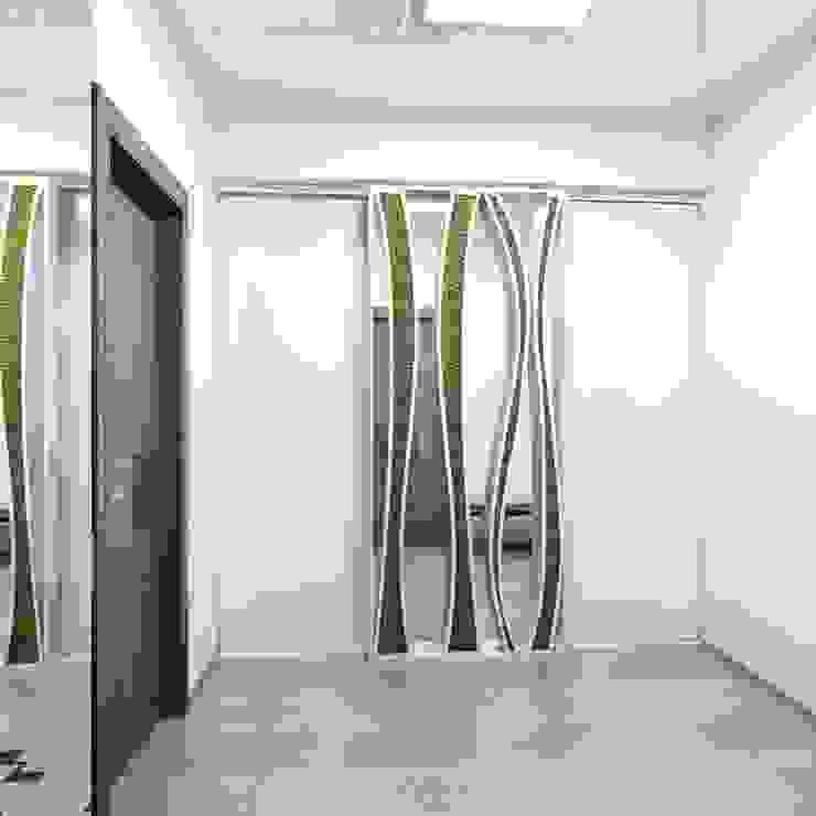 Лунный свет Коридор, прихожая и лестница в стиле минимализм от Art Group 'Tanni' Минимализм