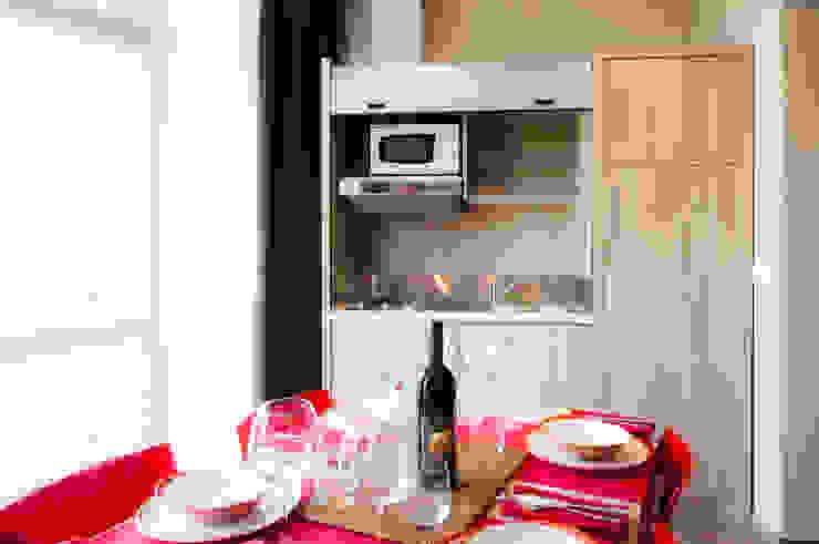 Privilege Apartments Cucina moderna di PROJECT AB Moderno