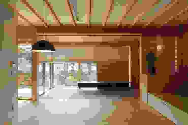 吉永の家 オリジナルデザインの 多目的室 の 岸本泰三建築設計室 オリジナル