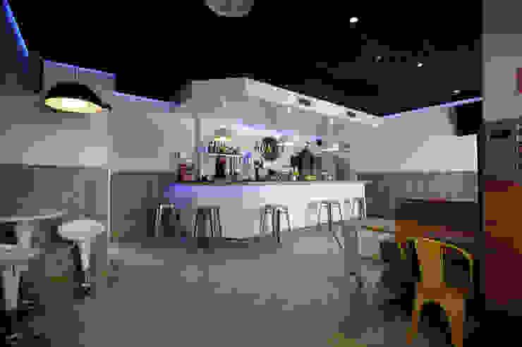 Bar después Bares y clubs de estilo industrial de Casas a Punto home staging Industrial
