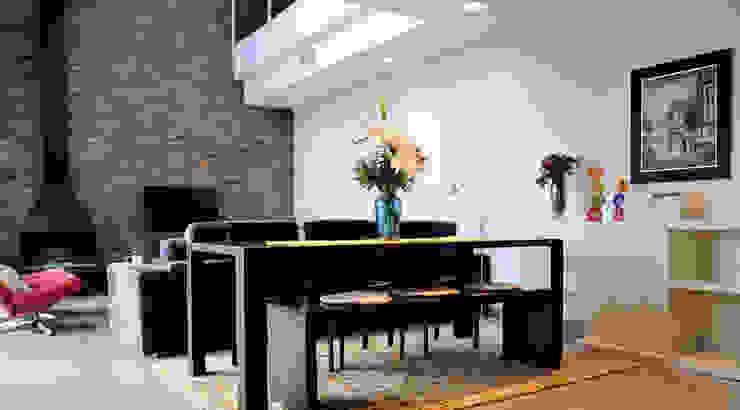 Diseño de interiores de vivienda: salón Salones de estilo moderno de LaMarta interiorismo Moderno