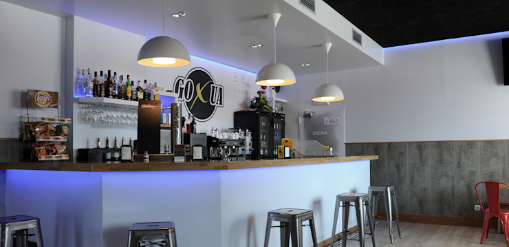 Barra después Bares y clubs de estilo industrial de Casas a Punto home staging Industrial