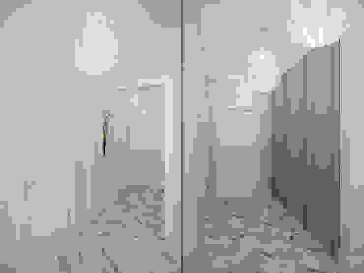 Квартира в ЖК <q>Морской Фасад</q> Коридор, прихожая и лестница в эклектичном стиле от Студия дизайна интерьера Маши Марченко Эклектичный