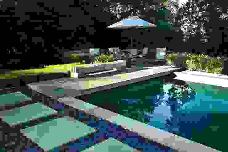 Piscinas modernas por Ecologic City Garden - Paul Marie Creation Moderno