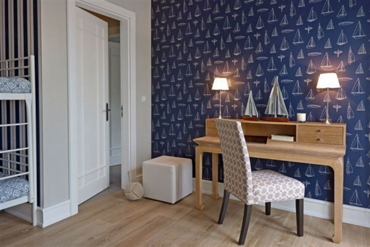 Apartament na Mazurach Klasyczne domowe biuro i gabinet od BBHome Design Klasyczny